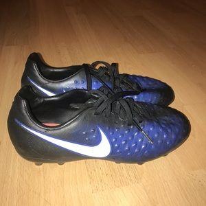 Nike boys cleats!